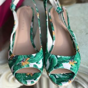 Kelly and katie floral low wedge sandals size 9.5
